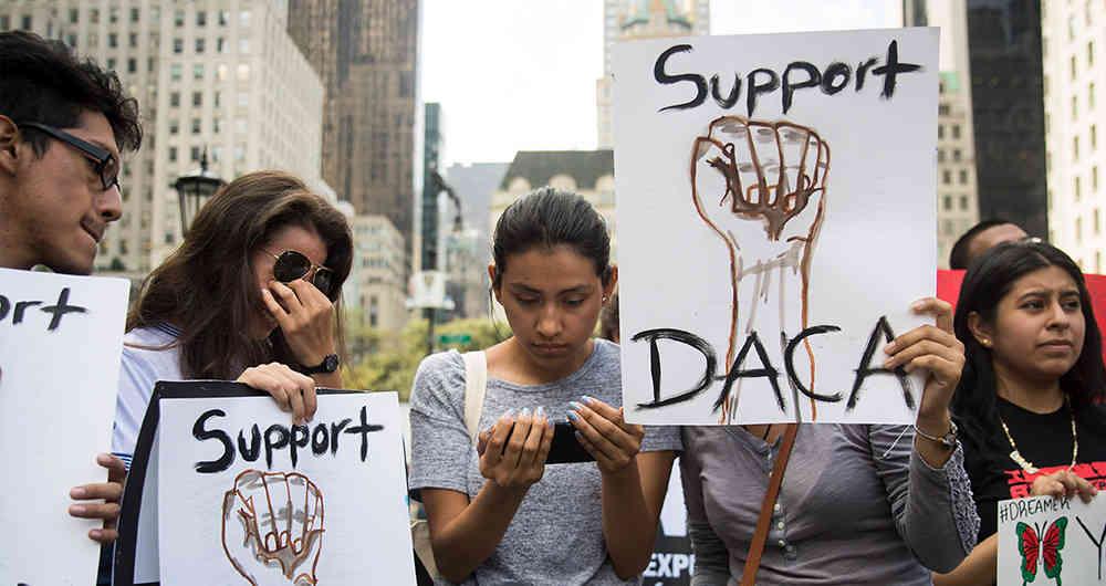 ¿Qué es DACA y cuáles serán las consecuencias de su cancelación?